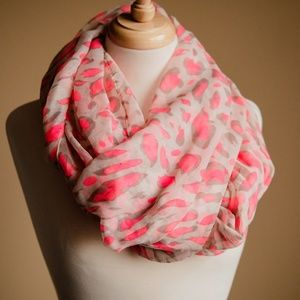 BP Nordstrom Hot Pink Cheetah Print Infinity Scarf